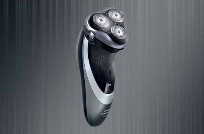 Philips Norelco 4500 AT830/46 electric shaver