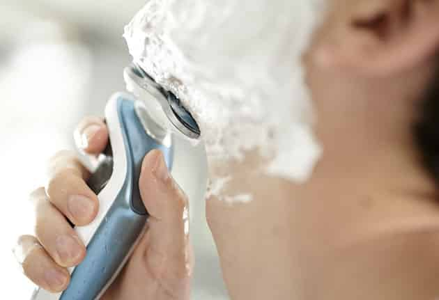 wet shave with the philips 7500 shaver